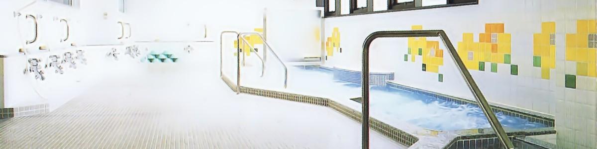 明るく広々とした一般浴。
